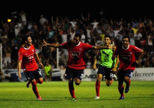 Vidal-Independiente-Parana-JOSE-ALMEIDA_CLAIMA20131207_0197_14