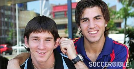 Fabregas-On-Messi-Img5
