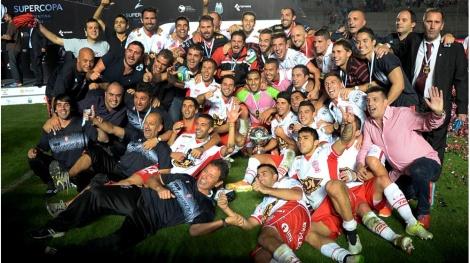 huracan_campeon_supercopa_argentina_2015_festejos_x2x_crop1430016474798.jpg_951387835