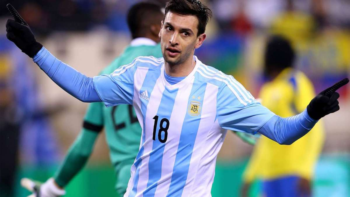 Pastore hands Argentina victory over Ecuador in Messi s absence