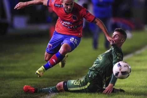 Tigre-Sarmiento-enfrentaron-Victoria-Telam_OLEIMA20160425_0212_28