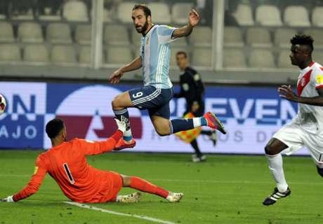 gonzalo-higuain-peru-argentina-eliminatorias-sudamericanas-06102016_1scikka8lhx8g1s19bwa5px9vp