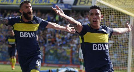 zzzznacd2NOTICIAS ARGENTINAS BAIRES, OCTUBRE 16:El jugador de Boca Ricardo Centurión, festeja su gol  esta tarde en la Bombonera frente a Sarmiento.FOTO: DANIEL VIDESzzzz