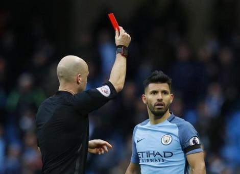 manchester-anthony-referee-sergio-aguero-taylor-shown_49a55254-b969-11e6-85ae-b37d8b2b78fb