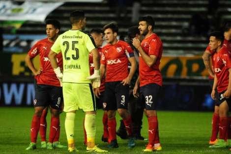 desazon-jugadores-Independiente_OLEIMA20170526_0156_15