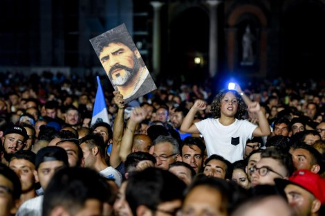 Maradona receives honorary citizenship of Naples