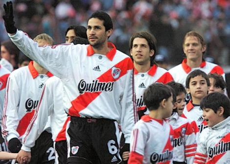 Colombian, Mario Yepes (3rd from the L) waves to t