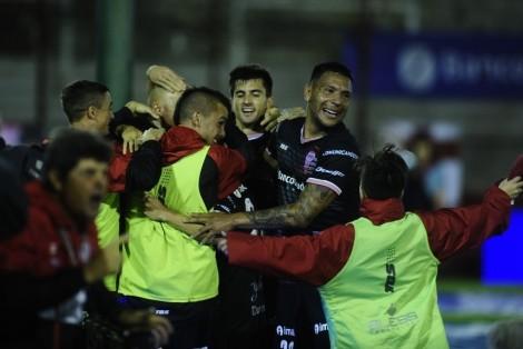 Huracan vs Atlético Tucumán Foto Juano Tesone