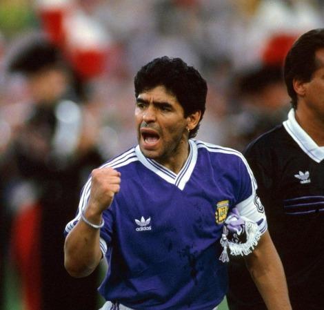 camiseta-argentina-suplente-retro-1990-maradona-n-10-D_NQ_NP_955021-MLA20693974527_042016-F