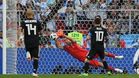 lionel-messi-argentina-islandia-iceland-world-cup-16062018_1x65h769kfu64149uiycy9kft0